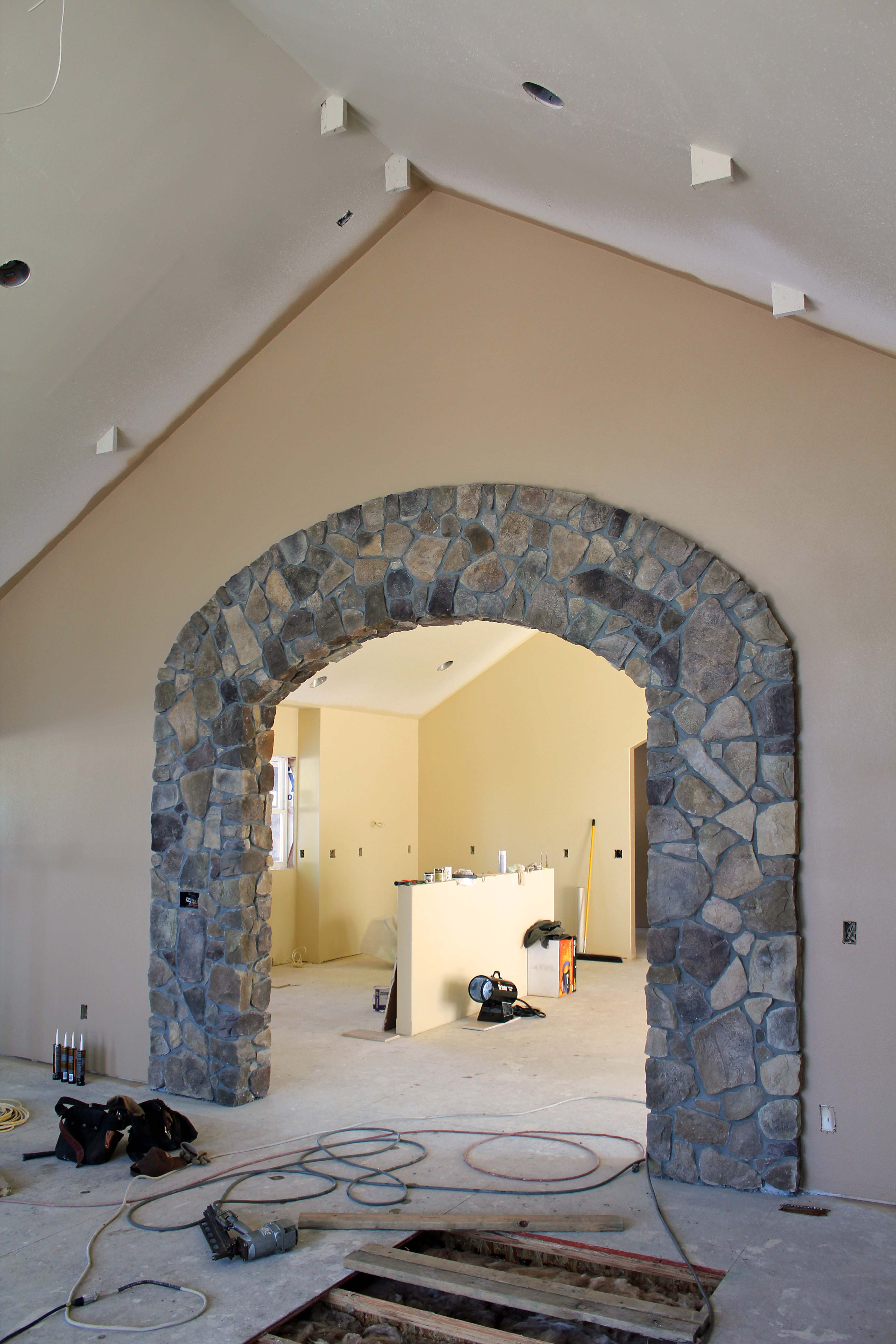 Great Room arch to kitchen